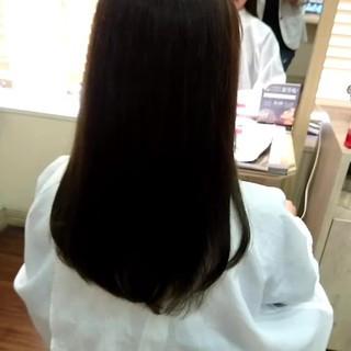 イルミナカラー ストレート セミロング ナチュラル ヘアスタイルや髪型の写真・画像