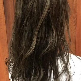外国人風カラー グレージュ 上品 エレガント ヘアスタイルや髪型の写真・画像