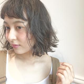 前髪あり ゆるふわ ヘアアレンジ ブラウンベージュ ヘアスタイルや髪型の写真・画像