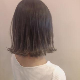 アッシュベージュ ホワイト ナチュラル ミルクティーベージュ ヘアスタイルや髪型の写真・画像