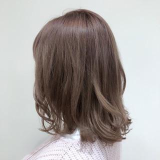 ベージュ 切りっぱなしボブ 韓国ヘア 韓国 ヘアスタイルや髪型の写真・画像