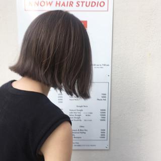 切りっぱなし 色気 ナチュラル グレージュ ヘアスタイルや髪型の写真・画像