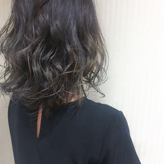 暗髪 大人かわいい 外国人風 セミロング ヘアスタイルや髪型の写真・画像