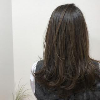 外国人風 セミロング 女子会 イルミナカラー ヘアスタイルや髪型の写真・画像