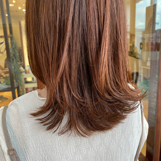 レイヤーカット ブラットオレンジ ウルフカット ミディアムレイヤー ヘアスタイルや髪型の写真・画像
