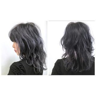 セミロング グレー ミディアム ストリート ヘアスタイルや髪型の写真・画像
