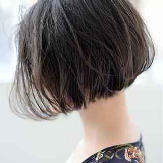 アッシュグレージュ ショート アッシュ ボブ ヘアスタイルや髪型の写真・画像