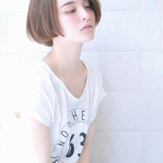 ショート ゆるふわ アッシュ ナチュラル ヘアスタイルや髪型の写真・画像