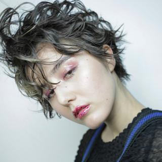 パーマ ミルクティー 黒髪 ショート ヘアスタイルや髪型の写真・画像
