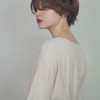 ヌーディベージュ ナチュラル アッシュベージュ ボブ ヘアスタイルや髪型の写真・画像