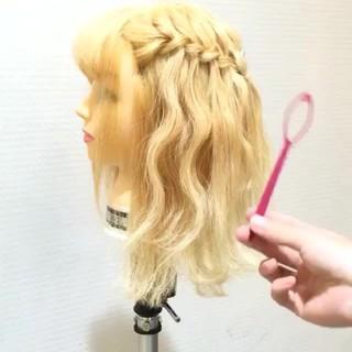 ハーフアップ ゆるふわ フェミニン セミロング ヘアスタイルや髪型の写真・画像