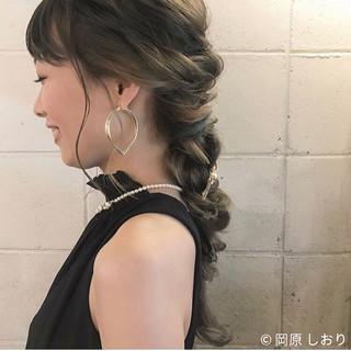 編み込み エレガント 成人式 インナーカラー ヘアスタイルや髪型の写真・画像
