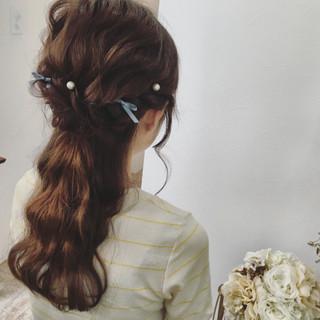 ハーフアップ 大人かわいい 波ウェーブ 結婚式 ヘアスタイルや髪型の写真・画像