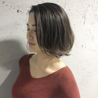 グレージュ アッシュベージュ ボブ ヘアカラー ヘアスタイルや髪型の写真・画像