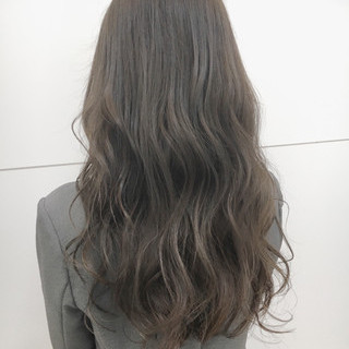 ガーリー 大人女子 アッシュ 外国人風 ヘアスタイルや髪型の写真・画像