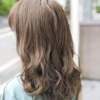 ナチュラル グラデーションカラー ミディアム ハイライト ヘアスタイルや髪型の写真・画像