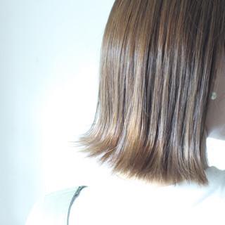 切りっぱなし グレージュ ロブ ナチュラル ヘアスタイルや髪型の写真・画像