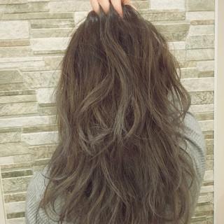アッシュ ハイライト 外国人風 グラデーションカラー ヘアスタイルや髪型の写真・画像
