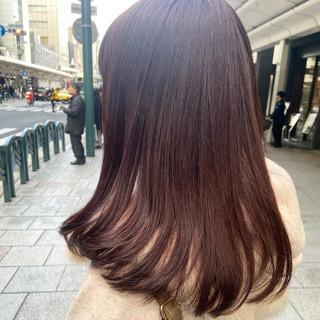 セミロング ピンクバイオレット ナチュラル ストレート ヘアスタイルや髪型の写真・画像