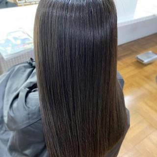 アッシュグレージュ ナチュラル 縮毛矯正 ブルーアッシュ ヘアスタイルや髪型の写真・画像
