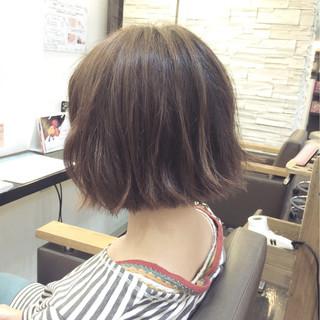 外ハネ ボブ ヘアアレンジ アッシュ ヘアスタイルや髪型の写真・画像