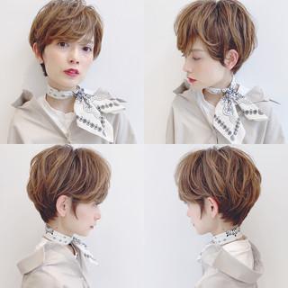 ショート 簡単ヘアアレンジ ナチュラル パーマ ヘアスタイルや髪型の写真・画像