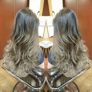 ロング ストリート グラデーションカラー 外国人風 ヘアスタイルや髪型の写真・画像
