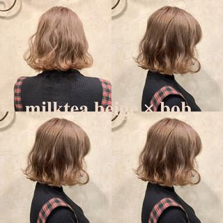 ボブ グレージュ アッシュ ガーリー ヘアスタイルや髪型の写真・画像
