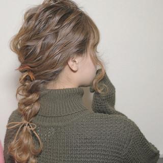 フェミニン セミロング モテ髪 ヘアアレンジ ヘアスタイルや髪型の写真・画像