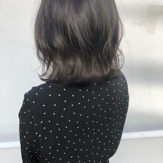 大人かわいい ボブ ウェーブ ナチュラル ヘアスタイルや髪型の写真・画像