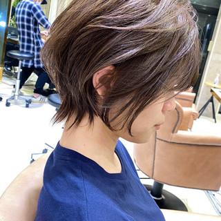 ナチュラル アンニュイほつれヘア デジタルパーマ ショートヘア ヘアスタイルや髪型の写真・画像