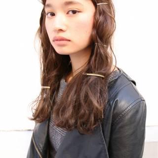 モード ヘアアレンジ ロング オン眉 ヘアスタイルや髪型の写真・画像