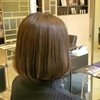 ナチュラル ヘアカラー アッシュ グレージュ ヘアスタイルや髪型の写真・画像