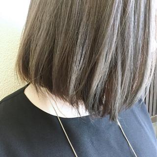 透明感 グレージュ 外ハネ ストリート ヘアスタイルや髪型の写真・画像