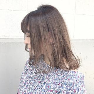 アッシュ ミルクティー ミディアム リラックス ヘアスタイルや髪型の写真・画像
