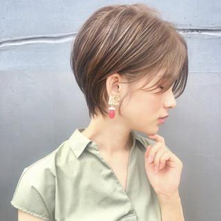 ヘアアレンジ ナチュラル パーマ オフィス ヘアスタイルや髪型の写真・画像