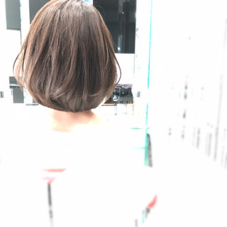 ナチュラル フェミニン ピュア オリーブアッシュ ヘアスタイルや髪型の写真・画像
