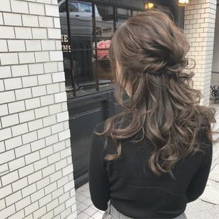 アンニュイほつれヘア ハーフアップ デート ロング ヘアスタイルや髪型の写真・画像