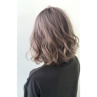 ゆるふわ ハイライト グラデーションカラー セミロング ヘアスタイルや髪型の写真・画像