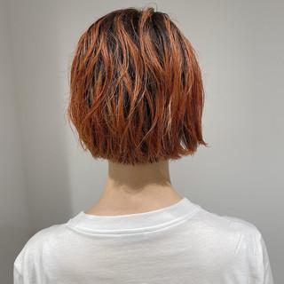 ミニボブ 伸ばしかけ アプリコットオレンジ ニュアンスヘア ヘアスタイルや髪型の写真・画像