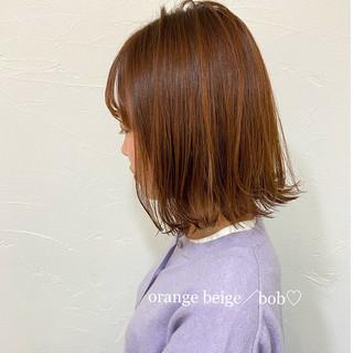 ミディアムレイヤー オレンジカラー 切りっぱなし オレンジベージュ ヘアスタイルや髪型の写真・画像