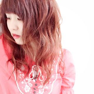ルーズ 外国人風 レッド パープル ヘアスタイルや髪型の写真・画像