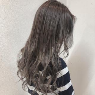 ハイライト セミロング 上品 シルバー ヘアスタイルや髪型の写真・画像