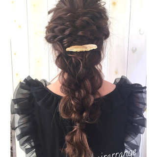 雨の日 結婚式 簡単ヘアアレンジ アンニュイ ヘアスタイルや髪型の写真・画像