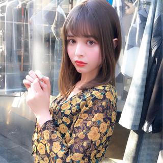 ヘアアレンジ ミディアム フェミニン オフィス ヘアスタイルや髪型の写真・画像