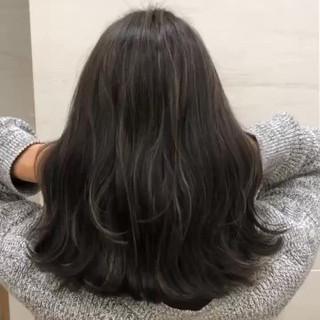ミディアム ハイライト 簡単ヘアアレンジ ベージュ ヘアスタイルや髪型の写真・画像