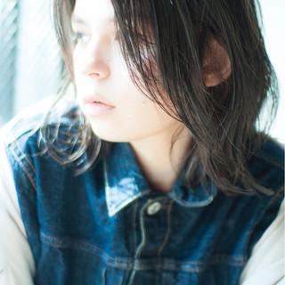 ゆるふわ 色気 ウルフカット ミディアム ヘアスタイルや髪型の写真・画像