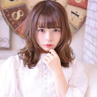 かわいい ゆるふわ セミロング 小顔 ヘアスタイルや髪型の写真・画像