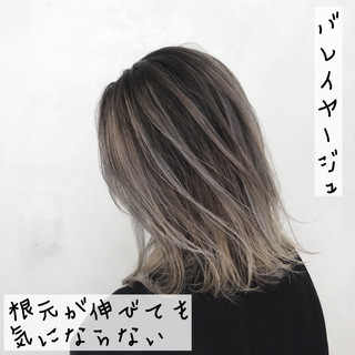 外国人風カラー バレイヤージュ ストリート グレージュ ヘアスタイルや髪型の写真・画像