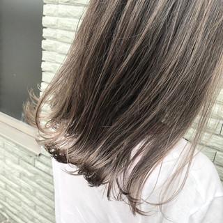 外国人風カラー バレイヤージュ ストリート ナチュラルベージュ ヘアスタイルや髪型の写真・画像